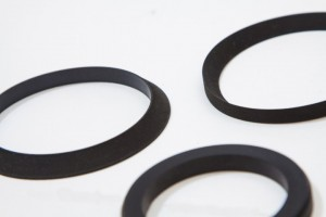 Bevel cut hydraulic seals